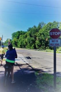 Photo of intersection on Simsbury Bike Trail